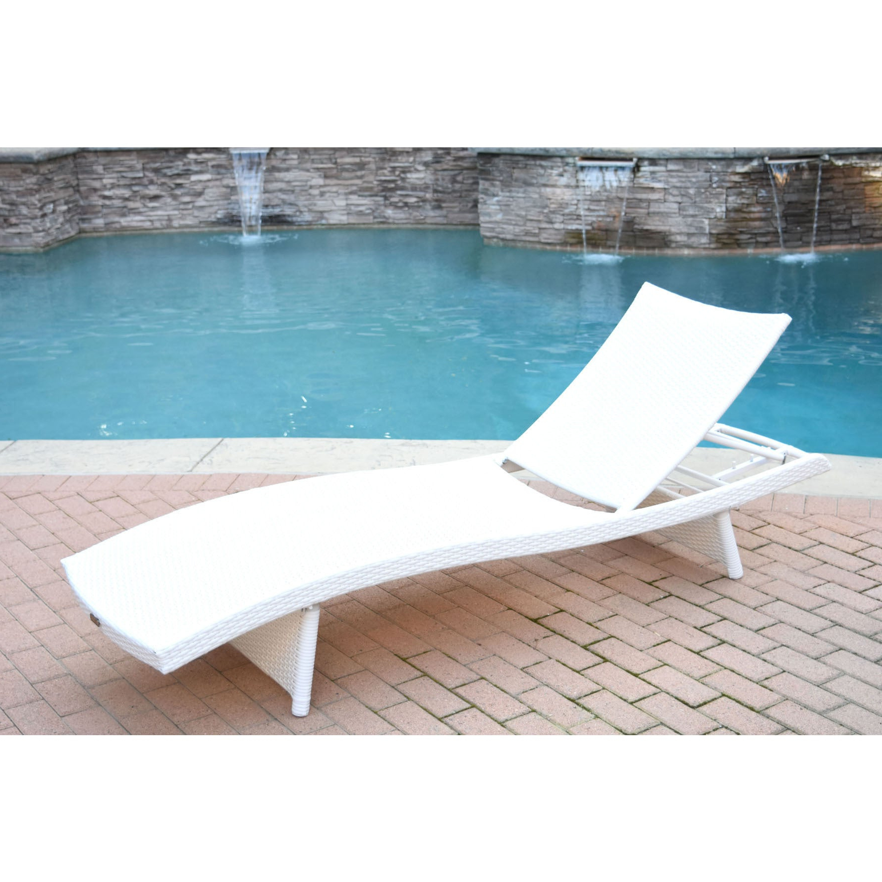 White Wicker Adjustable Chaise Loungers With Cushions Throughout 2019 White Wicker Adjustable Chaise Lounger With Cushions (View 22 of 25)