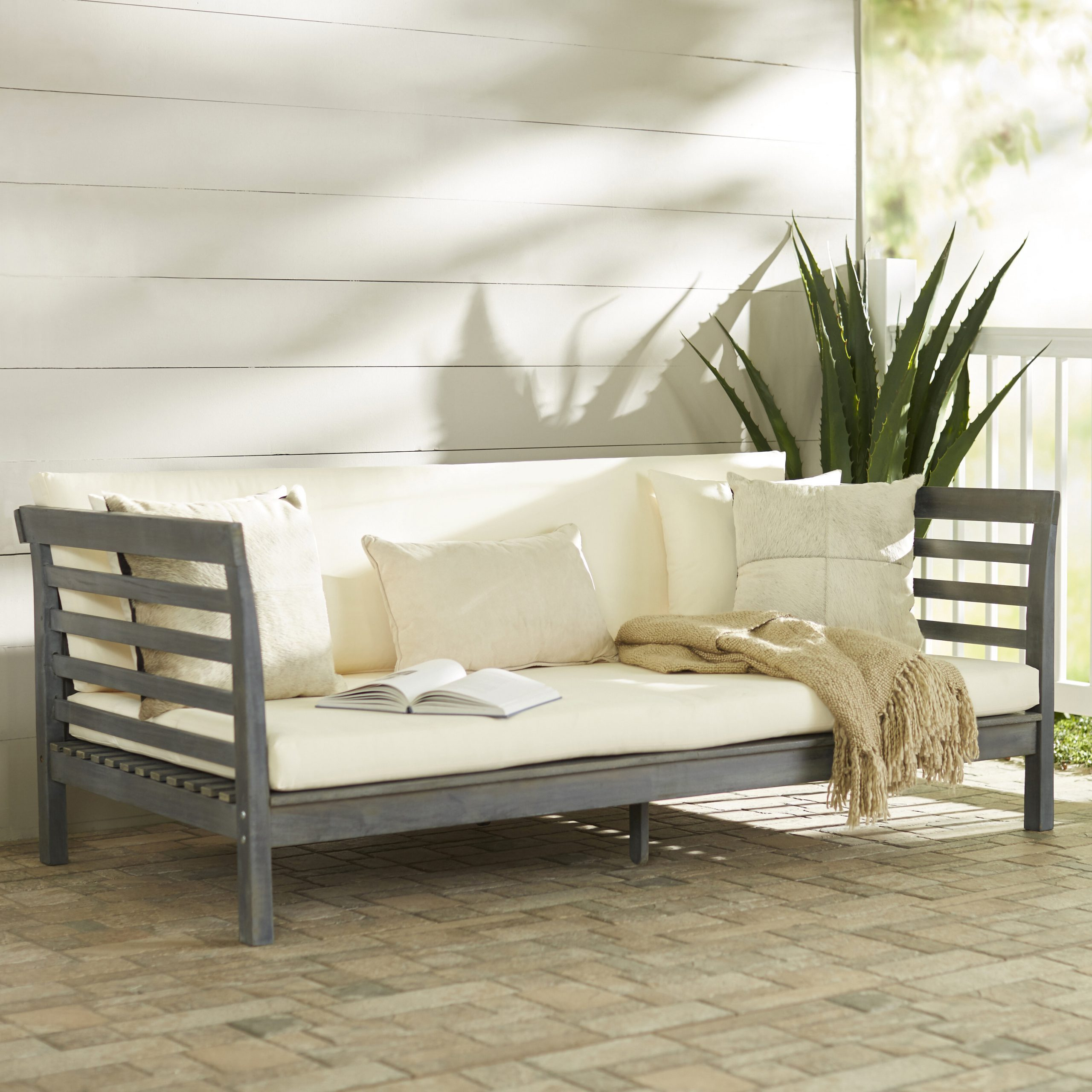 Featured Photo of Bodine Patio Daybeds With Cushions