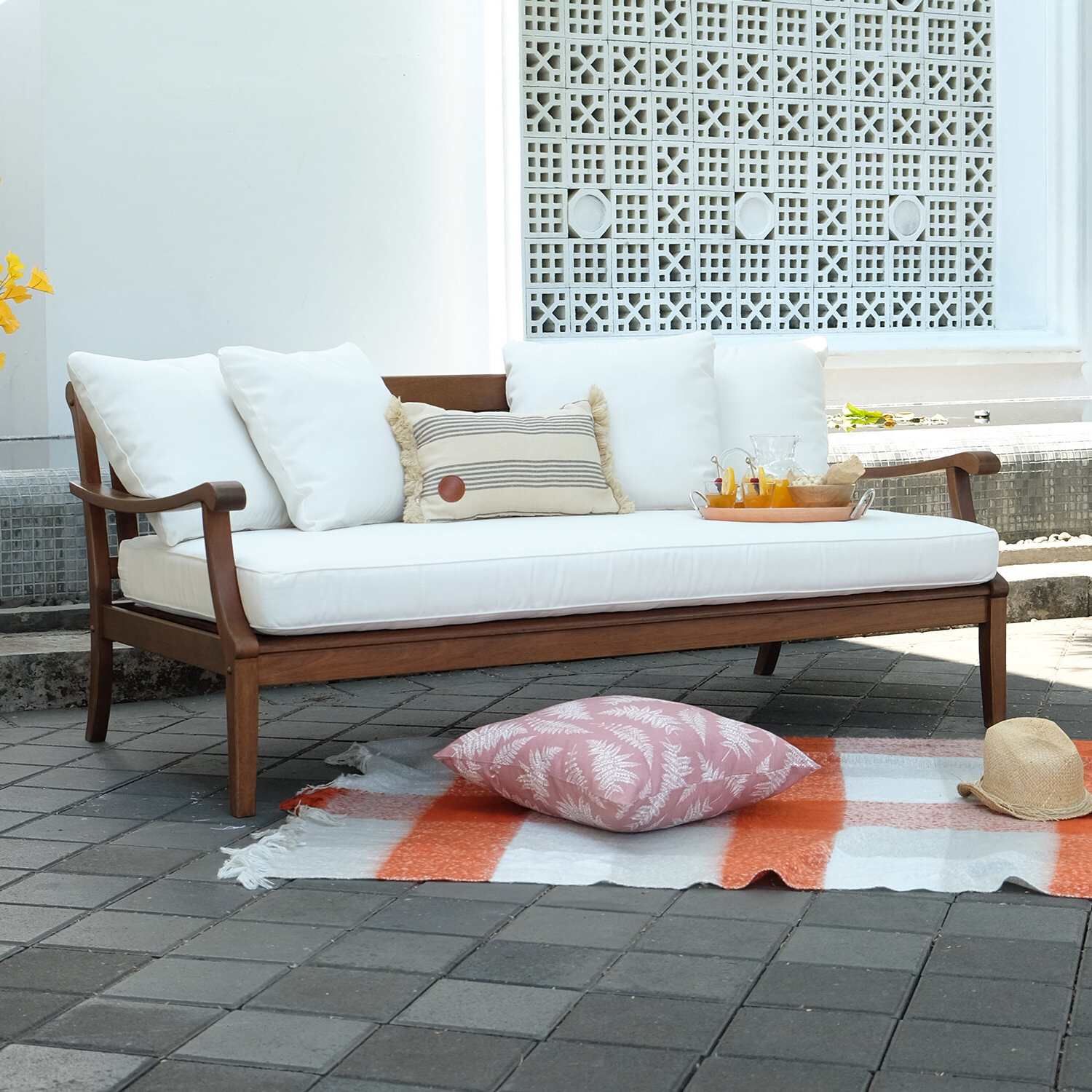 Popular Cushion: Charming Daybed Cushion For Indoor And Outdoor Pertaining To Ellanti Patio Daybeds With Cushions (Gallery 20 of 25)
