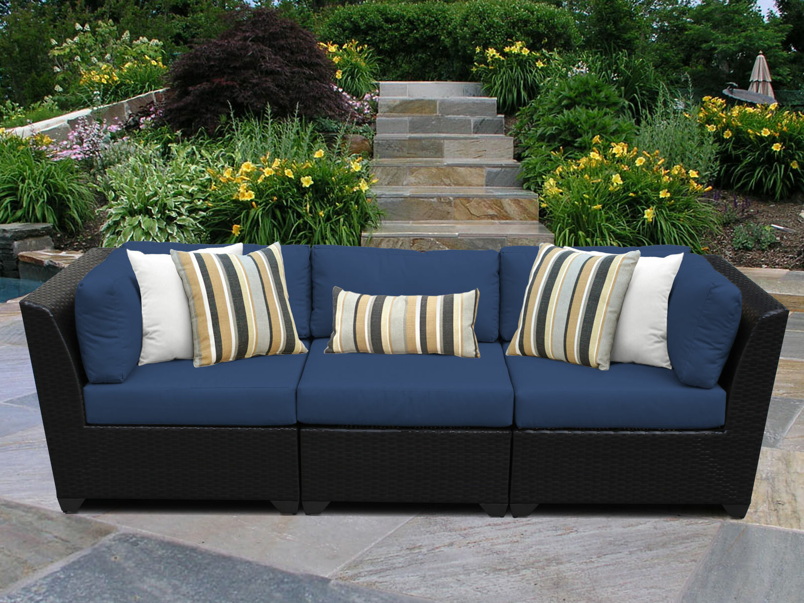 Tegan Patio Sofas With Cushions Intended For Trendy Tegan Patio Sofa With Cushions (View 2 of 25)