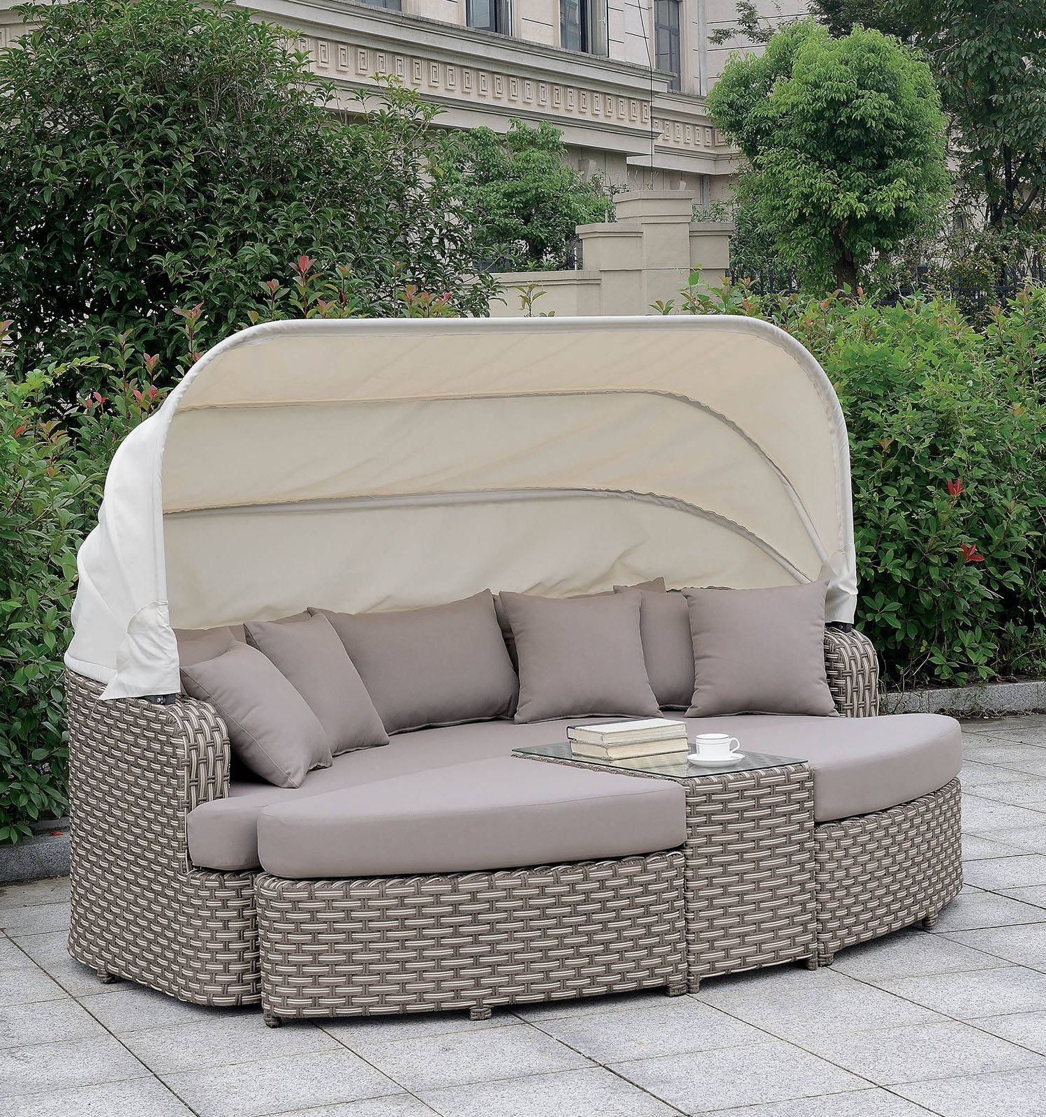 Well Known Furniture: Cool Patio Daybed With Alluring Cushions For For Ellanti Patio Daybeds With Cushions (Gallery 8 of 25)