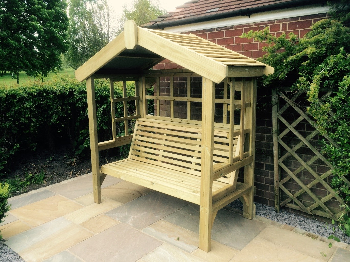 Best And Newest Cottage Arbour – Trellis Back & Sides 3 Seats (Ca104) Inside 3 Seat Pergola Swings (View 25 of 25)