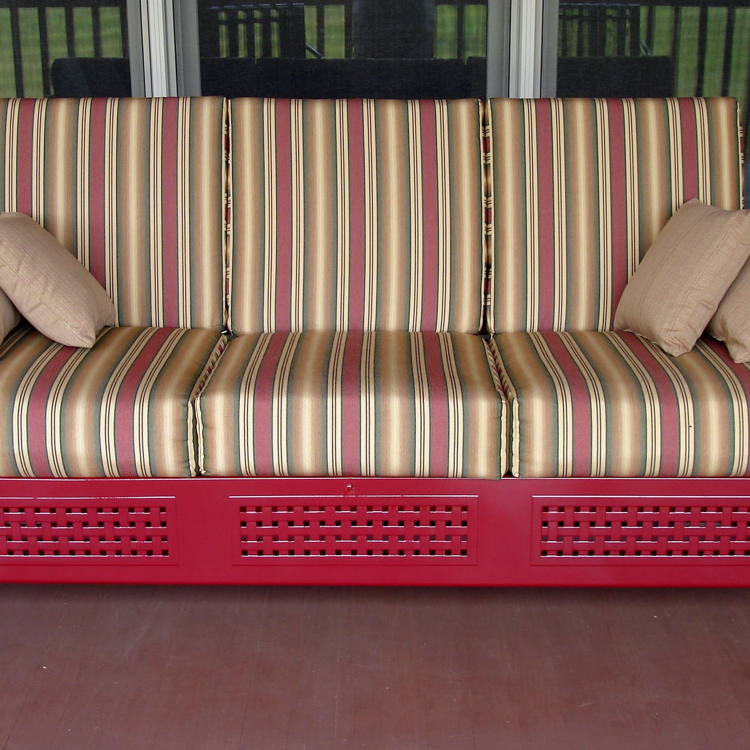 Most Current Outdoor Loveseat Gliders With Cushion Pertaining To Furniture: Vintage Aluminum Porch Glider With Cushions For (View 14 of 25)