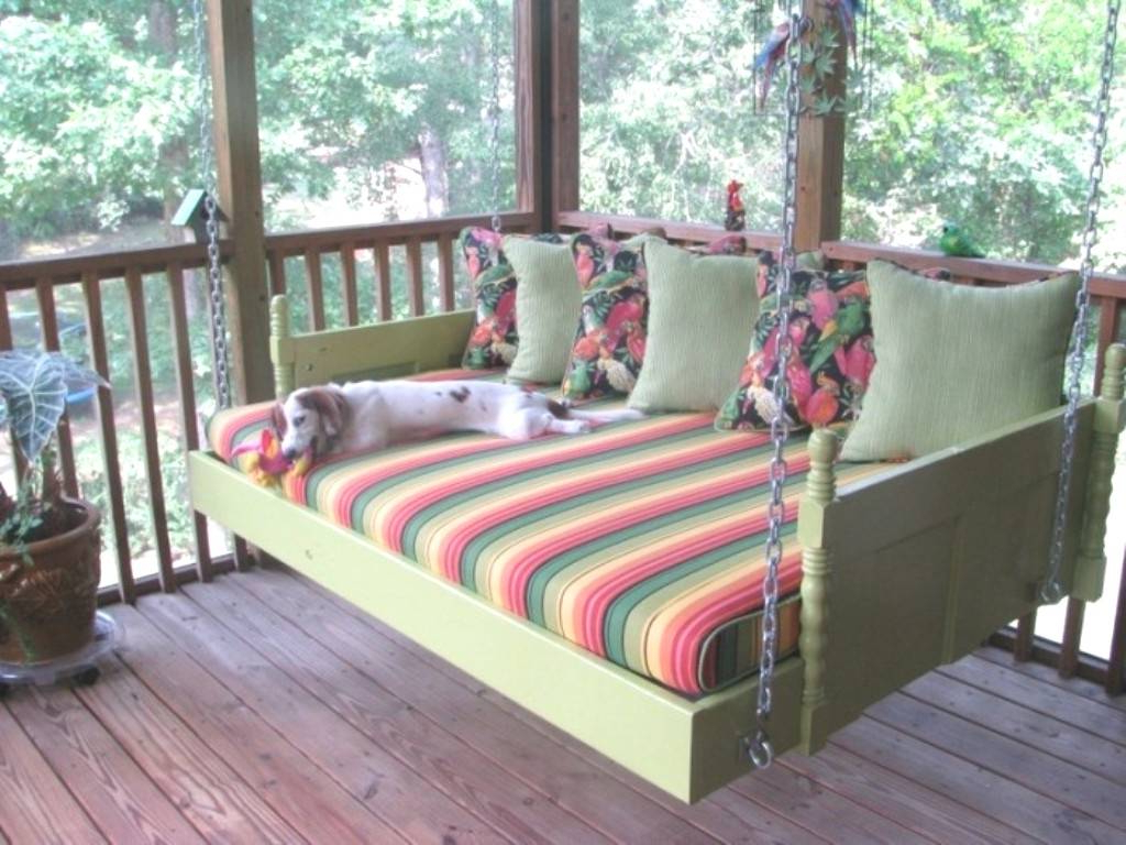 Swinging Porch Bedrooms Seven Reasons Tourists Love Swing Within Well Known Day Bed Porch Swings (View 22 of 25)