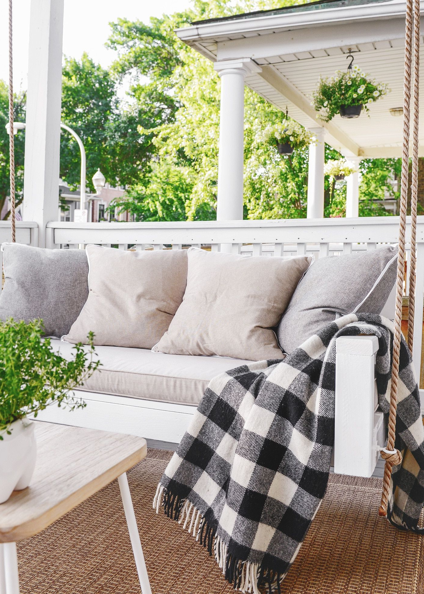 Widely Used Rosean Porch Swings Within 20+ Porch Swing Plans – Diy Porch Swing (View 25 of 25)